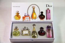 Набор миниатюр Les Parfums de L'Avenue Montaigne (Christian Dior)